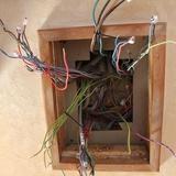Entre deux, toute l'électricité a été remise aux normes dans tous les bâtiments, merci Joan !