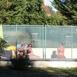 En fin de journée, détente ensemble autour de la piscine.