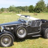 Un weekend avec des voitures anciennes au domaine.