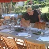Préparation de la table d'hôtes