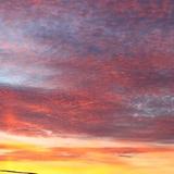 Du domaine, le ciel est enchanteur avec son superbe coucher du soleil.