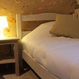 Chambre deux lits simples en 90 cm,  dans le charme de la pierre