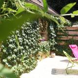 Une partie de la terrasse privée du gite