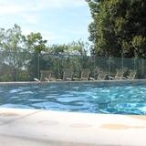 La piscine, la détente sous le soleil du Quercy.