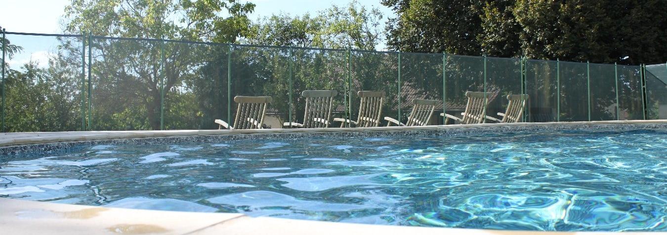 La piscine des gites le Tillou, le Pigeonnier et la Bichonnière
